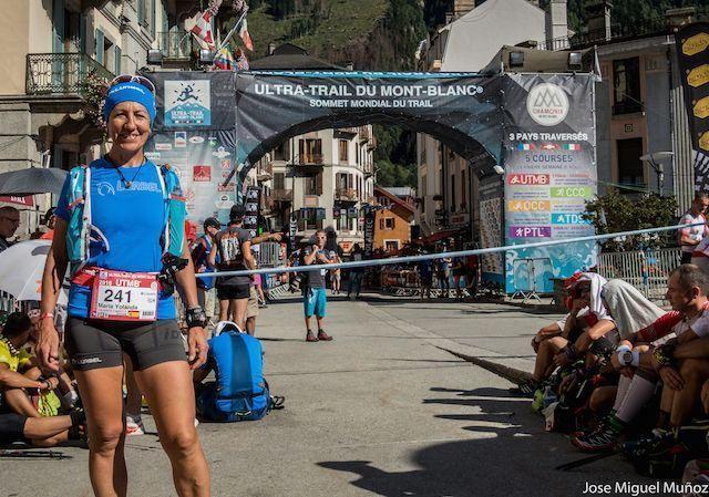 Lee más sobre el artículo Yolanda Valiente del equipo Lurbel bate el record de master 50 femenino en el UTMB® del Ultra Trail du Mont Blanc®