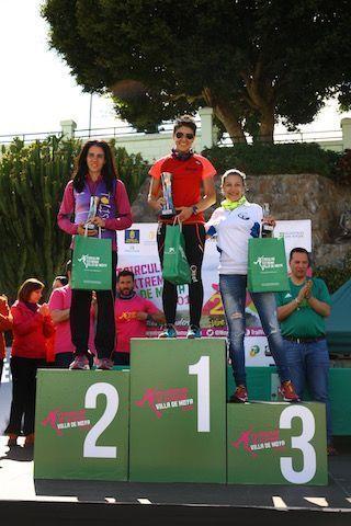 PODIO CHICAS 24 KM