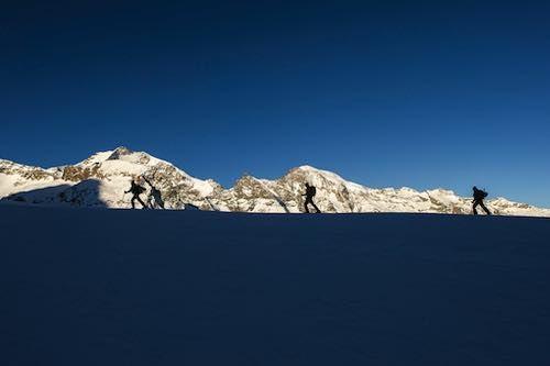Lee más sobre el artículo Fritschi presenta la fijación Xenic 10 para el esqui de travesía