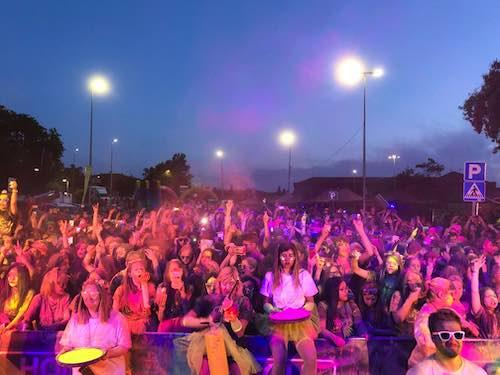 Lee más sobre el artículo Un nuevo evento de Holi Life, esta vez la Holi Life Neon en Cenicientos